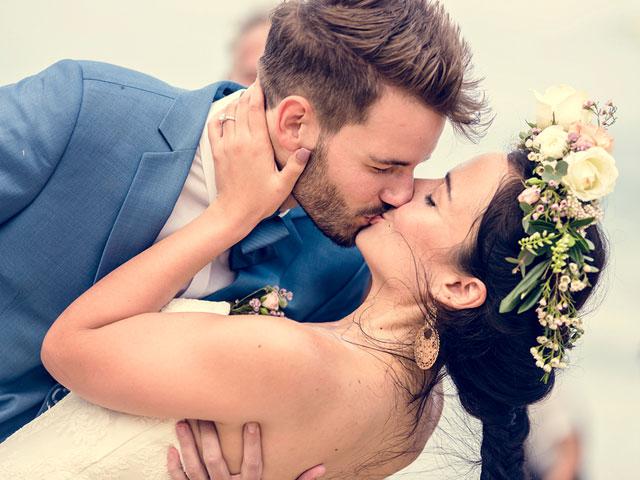 Hochzeit in Dresden - Kuss Brautpaar