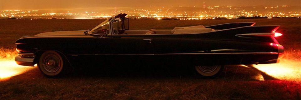 Ihre Hochzeitsfahrt in einem schönen Cadillac Cabrio Oldtimer von Alexes Eventfahrten