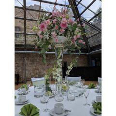Floraler Tischschmuck von der Hochzeitslocation - Princeless Moments heiraten im Burgenland