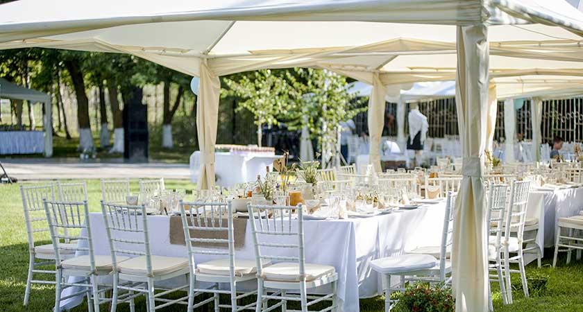 Suche nach der perfekten Hochzeitlocation
